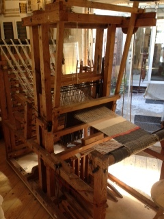 100 year old Loom - now working again......