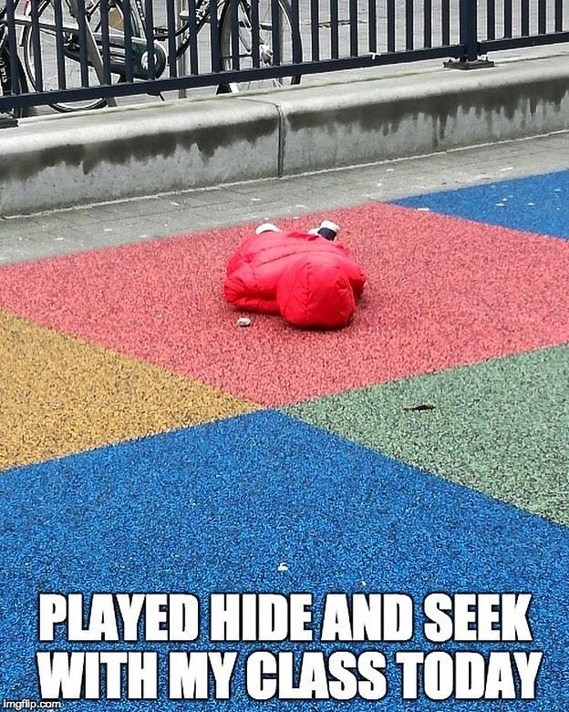 M'n zusje speelde verstoppertje met d'r klas, en toen deed een kindje dit. Nu hebben we een meme gemaakt zodat dit kindje viral kan gaan.