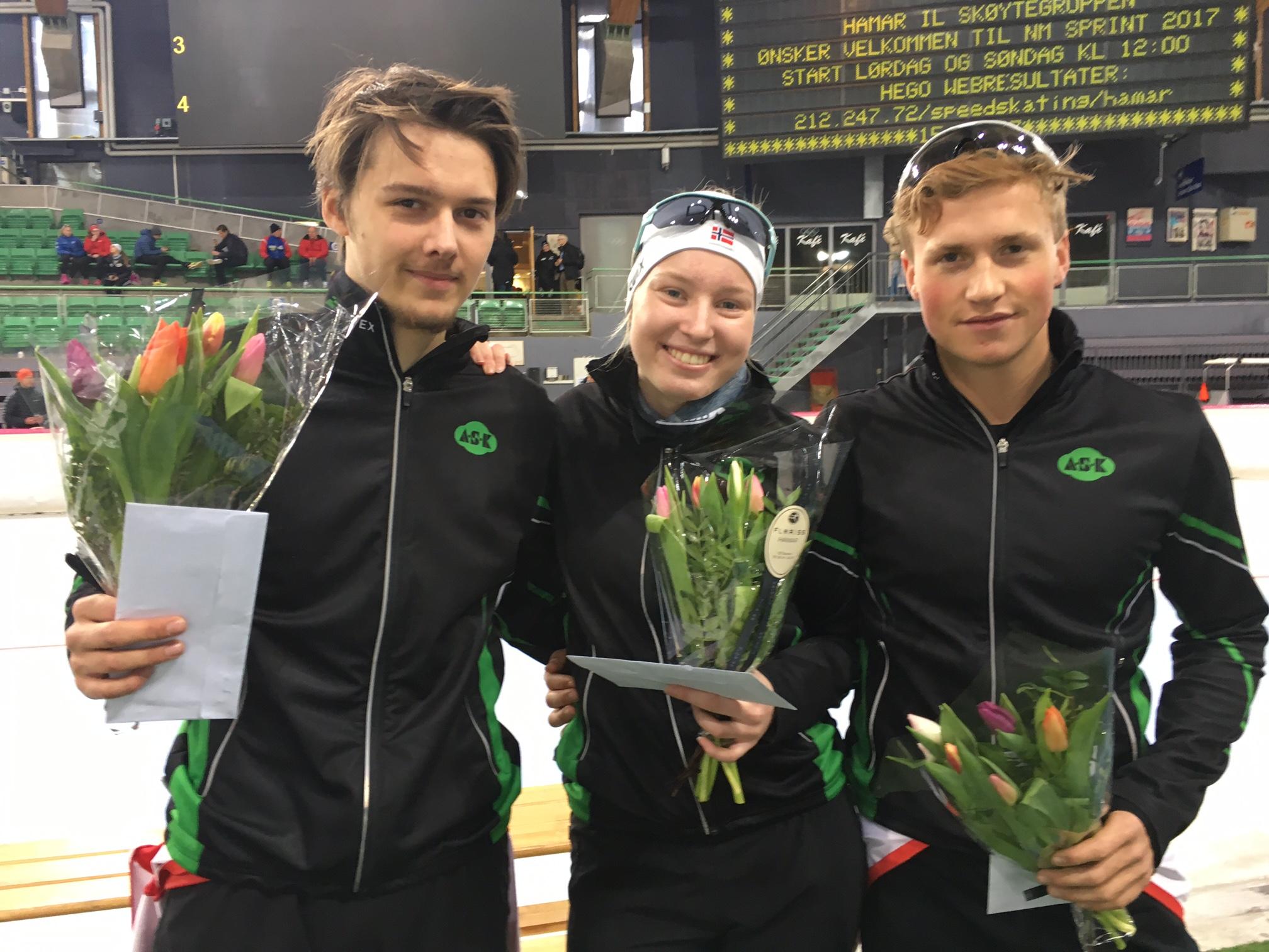 Mye blomster på ASK`s juniorer under 1.dag. Allan, Ragne og Marius er fornøyd med innsatsen!