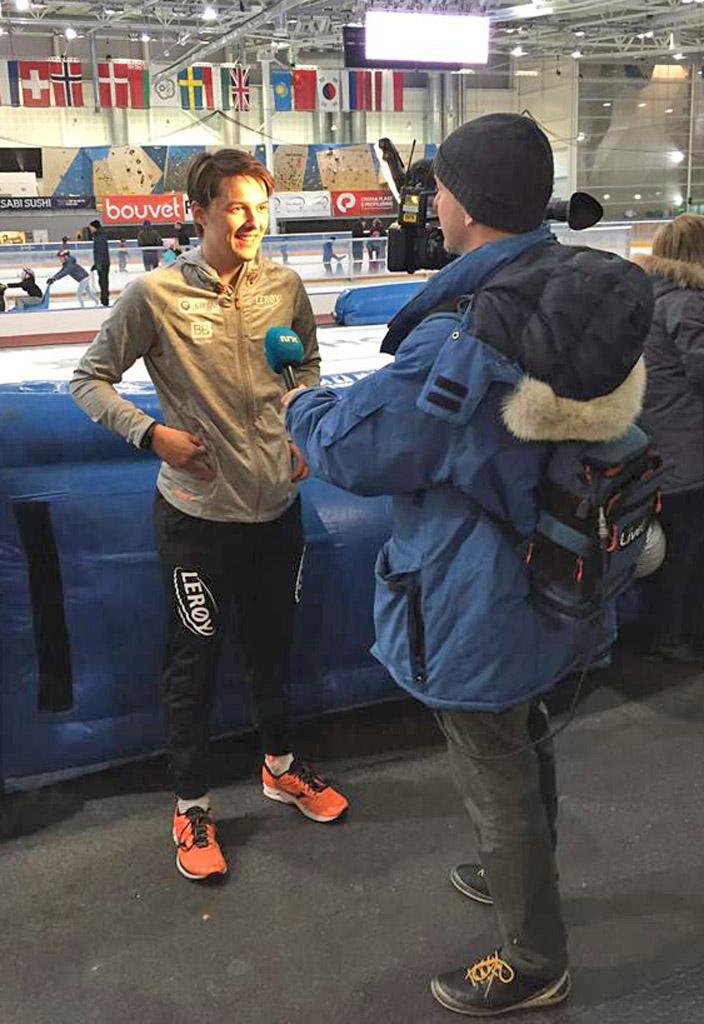Allan intervjues av NRK etter sine fine prestasjoner.    (Foto: Per allan Johansson)