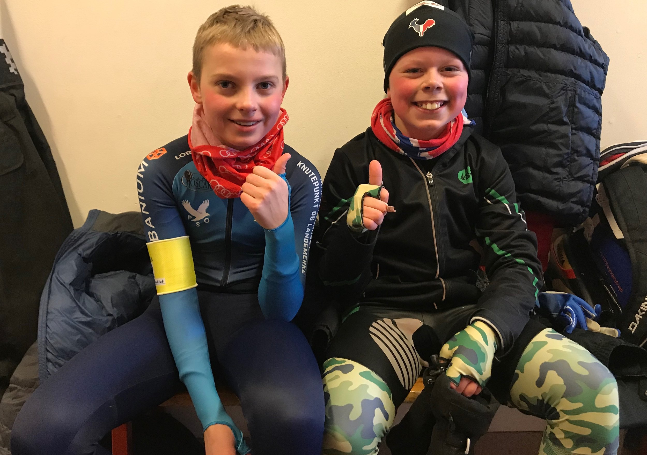 Fornøyde løpere i garderoben søndag: I Vikingrace i Heerenveen i mars får Eirik Andersen (th) selskap av blant andre OSKs Miika Klevstuen.