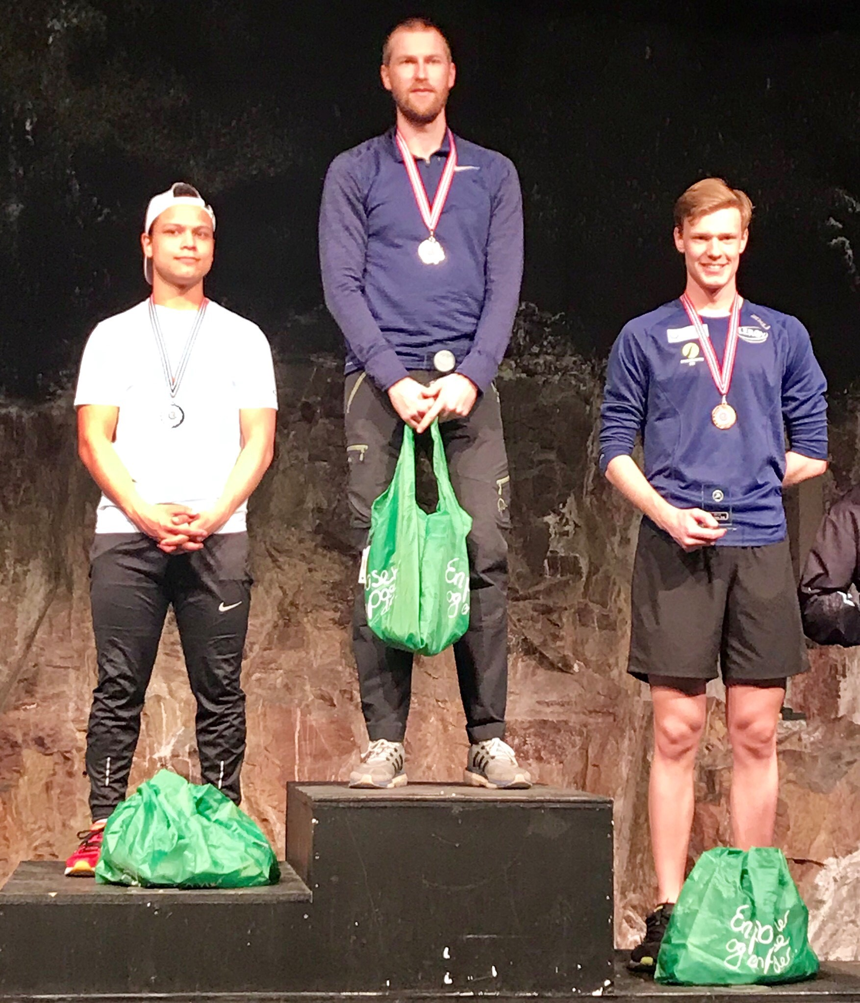 Seierspallen for senior: Fra venstre Mii Erik Haugård (ASK), Einar Agdestein (Asker) og Thomas Lande Eriksen (ASK).