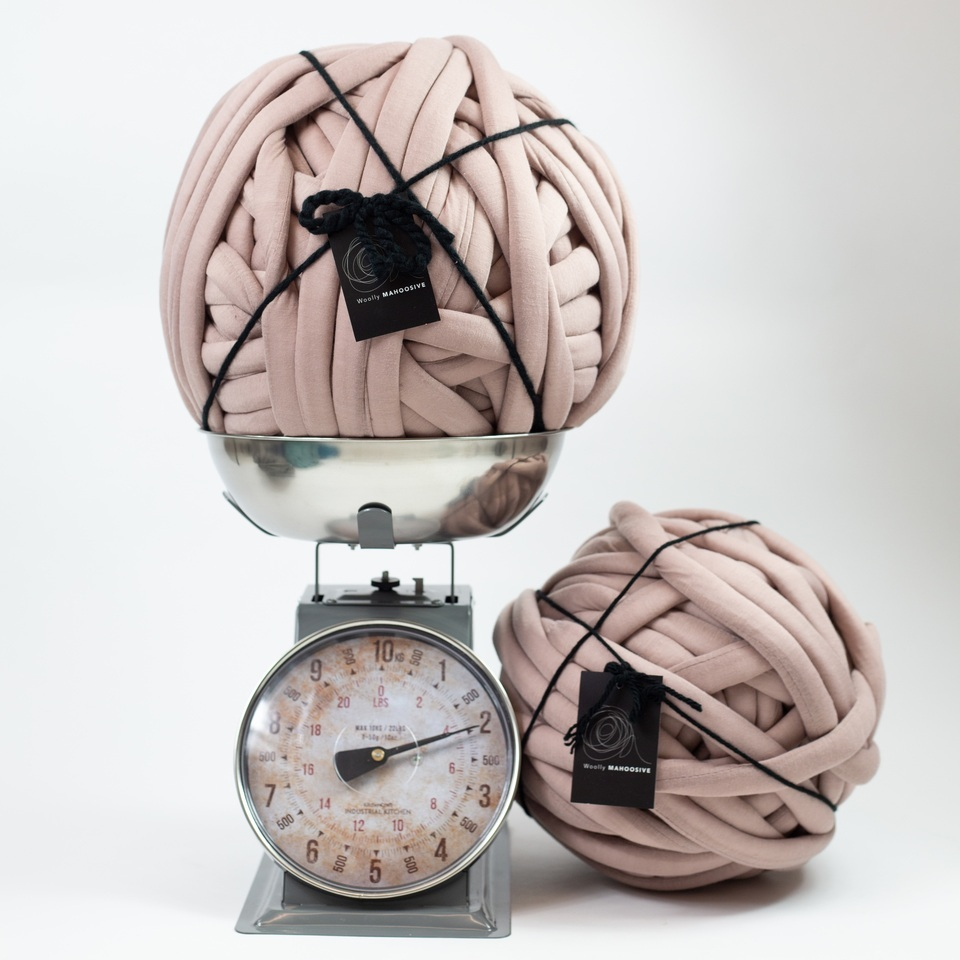 chunky+knit+blanket+yarn+in+mushroom+pink.jpg