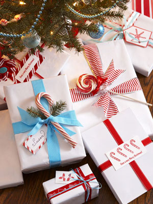gifts-wrapped-in-white-paper-colored-ribbon-1210-s3-medium_new.jpg
