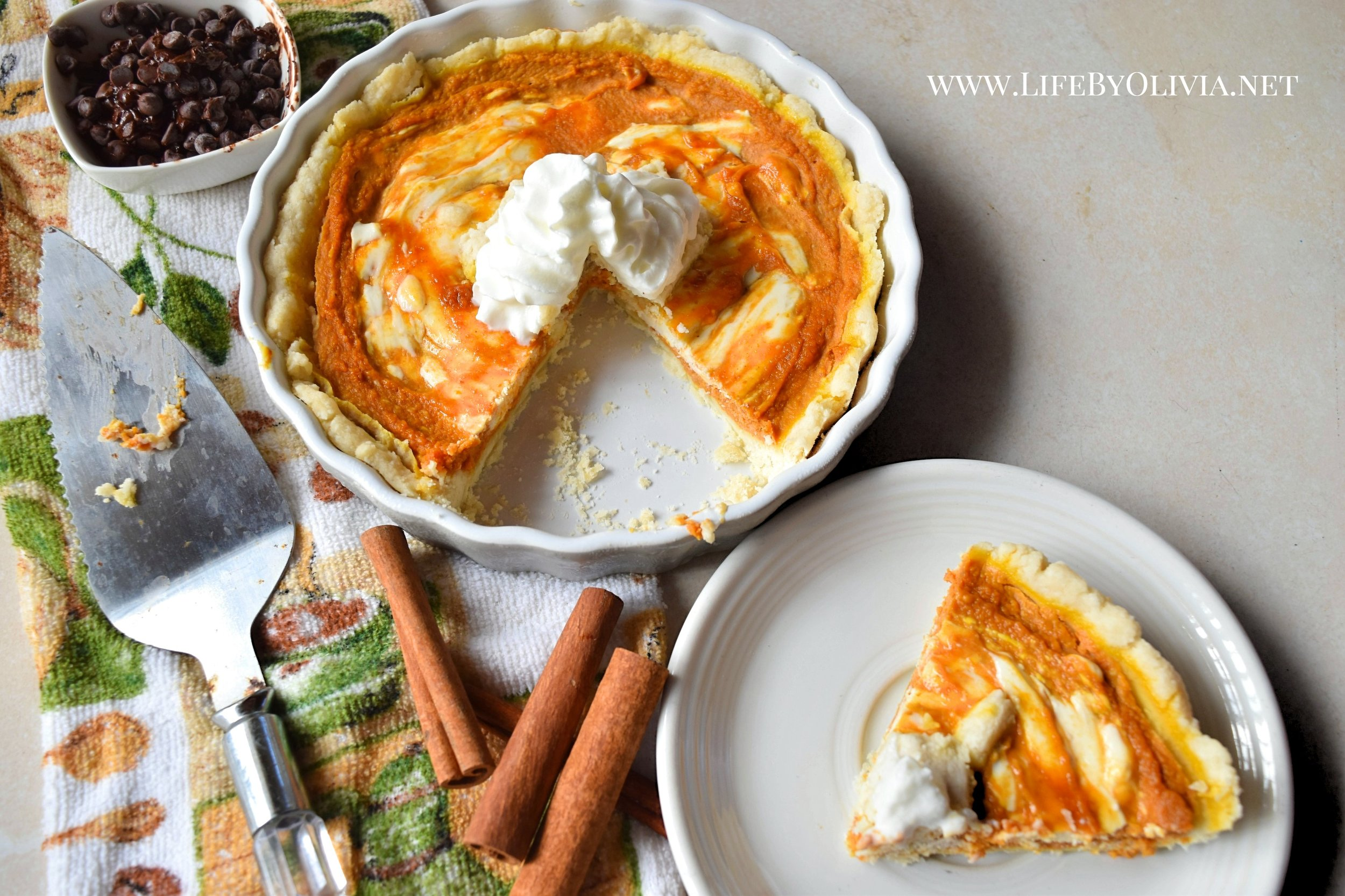 Pumpkin Pie with Cream Cheese Swirl 3.jpg