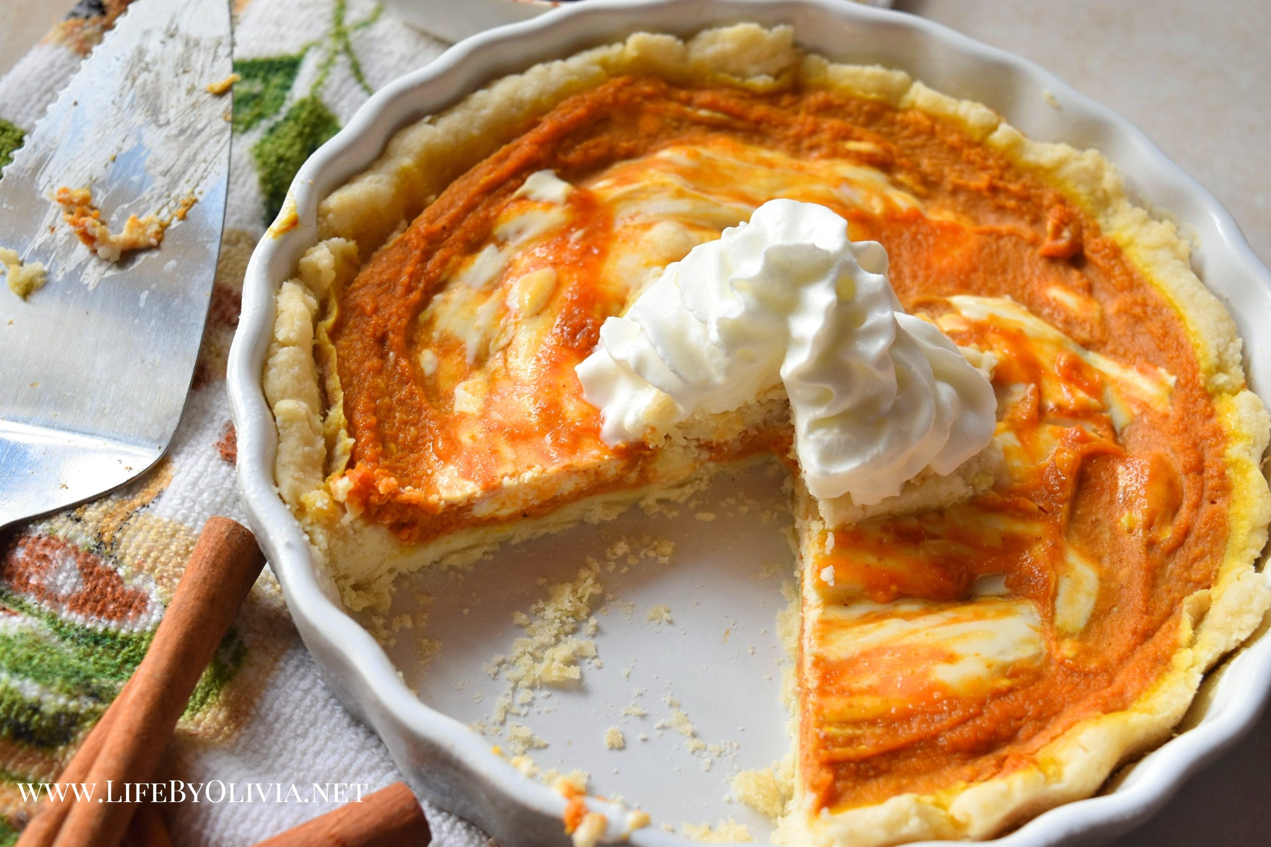 Pumpkin Pie with Cream Cheese Swirl 2.jpg