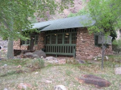 grand-canyon-hike-courage-phantom-ranch-lodge
