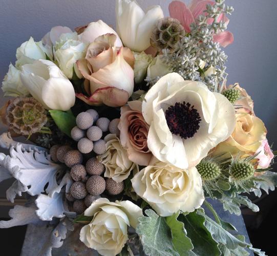 Neutral-Floral-Arrangement-Philadelphia-Florist-Sullivan-Owen