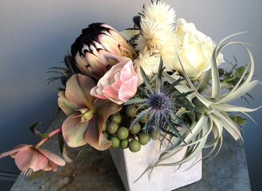 Neutral-Floral-Arrangment-Philadelphia-Sullivan-Owen-Florist