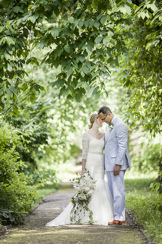 Sullivan-Owen-Philadelphia-Wedding-Florist-White-Green-Lovemedo-Cascade-Bouquet-3