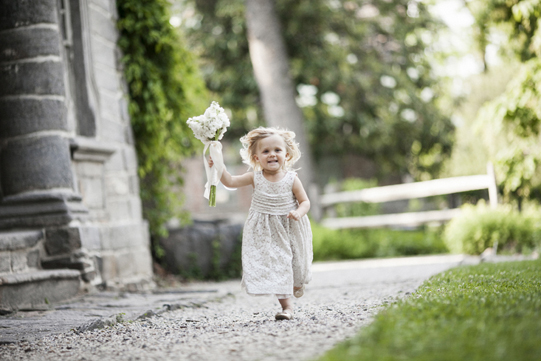 Sullivan-Owen-Philadelphia-Wedding-Florist-White-Green-Lovemedo-FlowerGirl