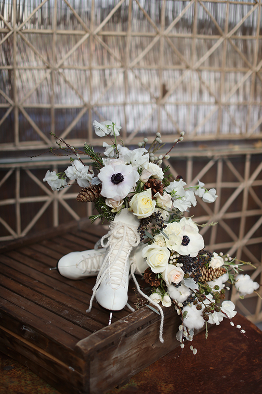 Sullivan-Owen-Alison-Conklin-Terrain-Winter-Wedding-Ice-Skate-Vases