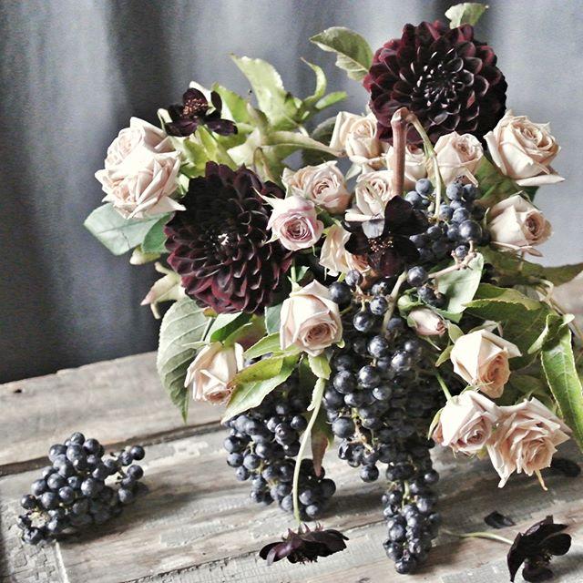 haven't seen these grapes on the branch for years... #flower #floweroftheday #flowersofinstagram #dahlia #dinnerplatedahlia #garden #gardening #dsfloral #locallygrownflowers #florist #floraldesign #floraldesigner
