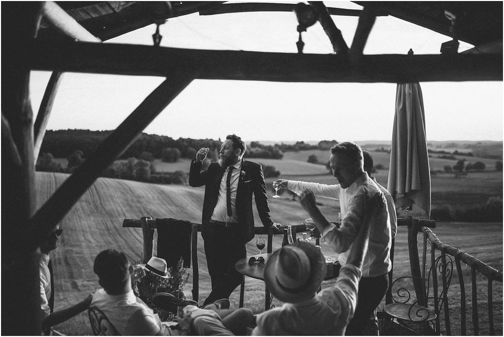 phographe-mariage-bordeaux-wedding-photographer-dordogne-nature-the quirky camping_0011.jpg