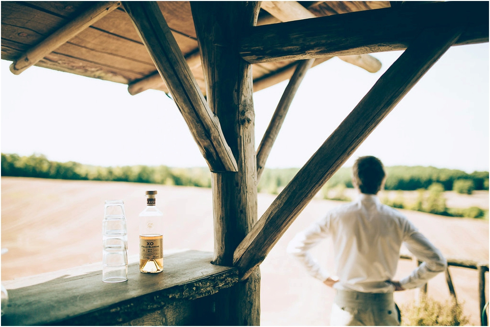 phographe-mariage-bordeaux-wedding-photographer-dordogne-nature-the quirky camping_0019.jpg