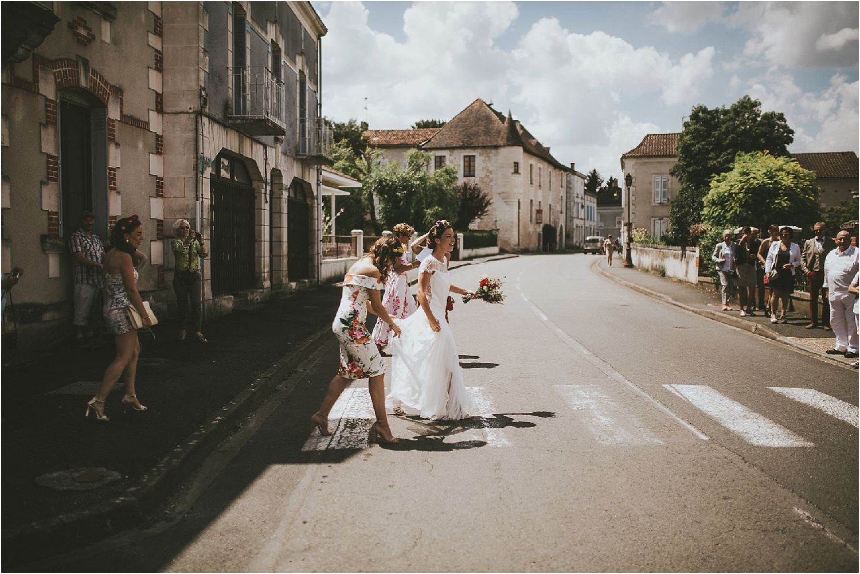 steven-bassilieaux-photographe-Mariage-bordeaux-dordogne-wedding-photographer-story telling-manege - caroussel - moulin de tocane - 167.jpg