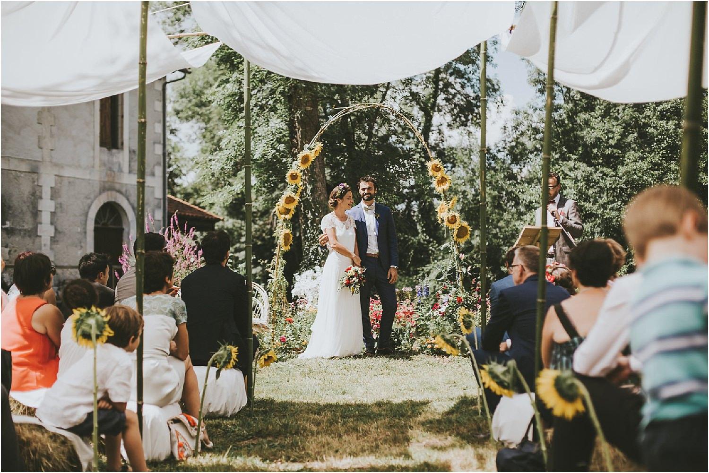steven-bassilieaux-photographe-Mariage-bordeaux-dordogne-wedding-photographer-story telling-manege - caroussel - moulin de tocane - 180.jpg