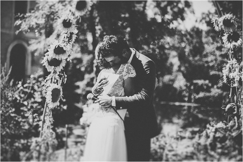 steven-bassilieaux-photographe-Mariage-bordeaux-dordogne-wedding-photographer-story telling-manege - caroussel - moulin de tocane - 187.jpg