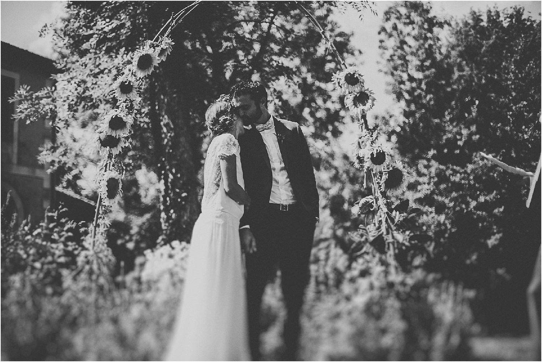 steven-bassilieaux-photographe-Mariage-bordeaux-dordogne-wedding-photographer-story telling-manege - caroussel - moulin de tocane - 186.jpg