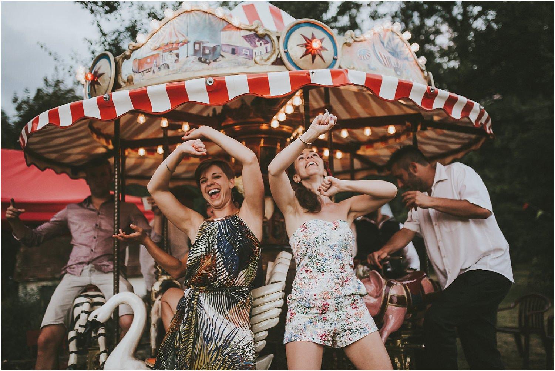 steven-bassilieaux-photographe-Mariage-bordeaux-dordogne-wedding-photographer-story telling-manege - caroussel - moulin de tocane - 208.jpg