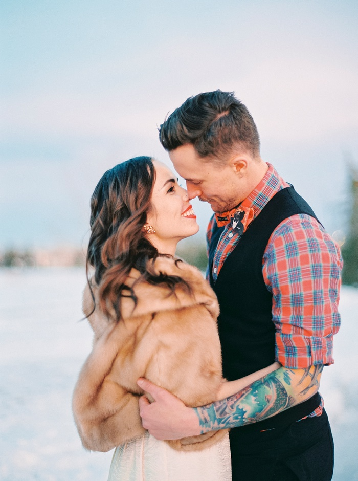 Shawnessy Barn Wedding in Calgary   Milton Photography   Calgary Wedding Photographer