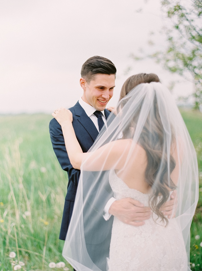 Wedding at The Lake House on Lake Bonavista | Calgary Wedding Photographer | Milton Photography