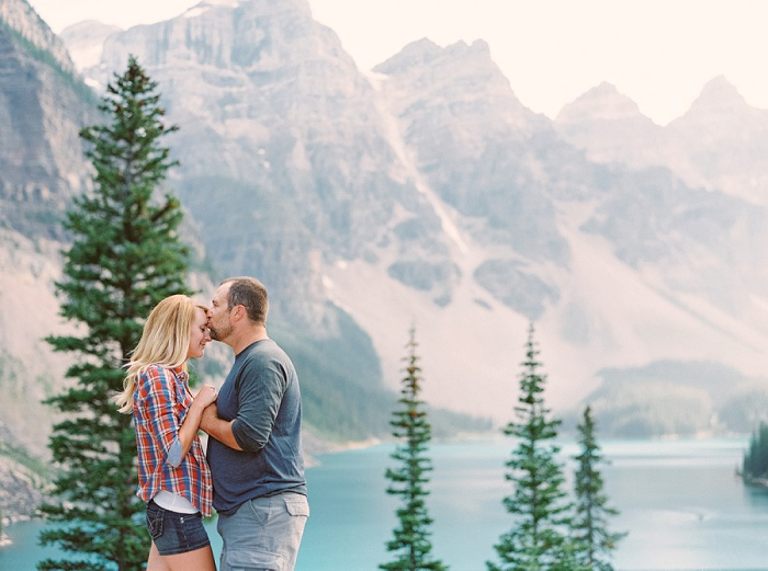 Banff Couples Photographer | Justine Milton Photography | Destination Wedding Photographers | Moraine Lake