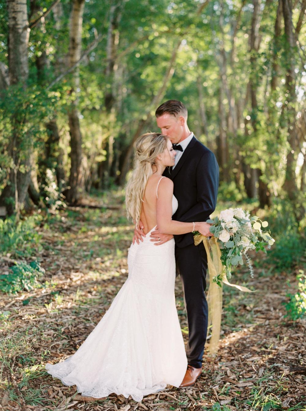 Calgary Wedding Photographers | Willow Lane Barn Olds Wedding | Alberta Wedding Photography | Outdoor Wedding Ceremony | Rustic Wedding | Fine Art Film Photographer | Neutral Color Palette