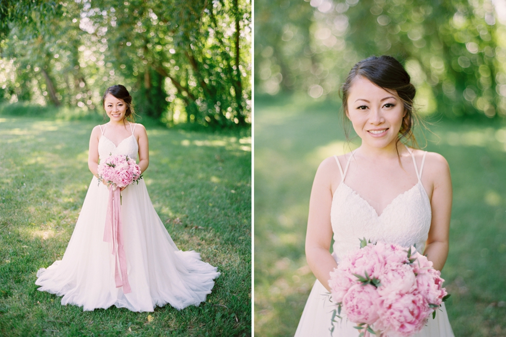 Bridal portrait pink peony bouquet | BHLDN wedding dress | Justine milton fine art wedding photographers | calgary wedding at the lake house