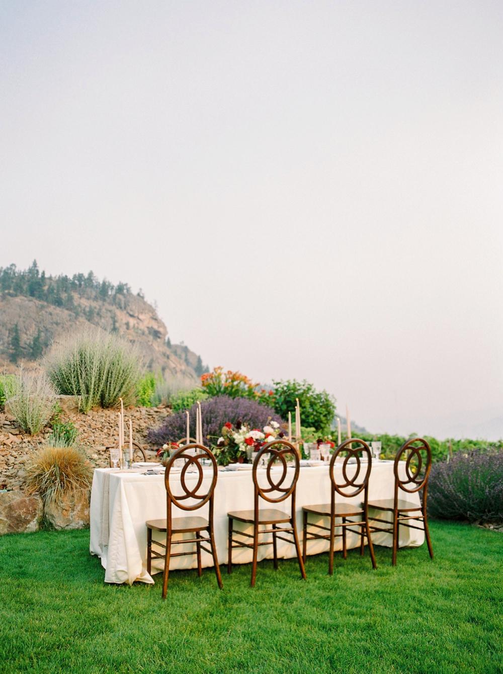 wedding table decor   Painted Rock Winery   Penticton wedding photographer   Kelowna Wedding photography   Okanagan Wedding photographers   Justine Milton fine art film