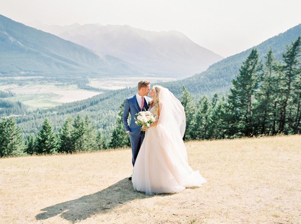 Bride and Groom portrait | Banff Rocky Mountain Wedding Photographers | Justine Milton fine art film photography