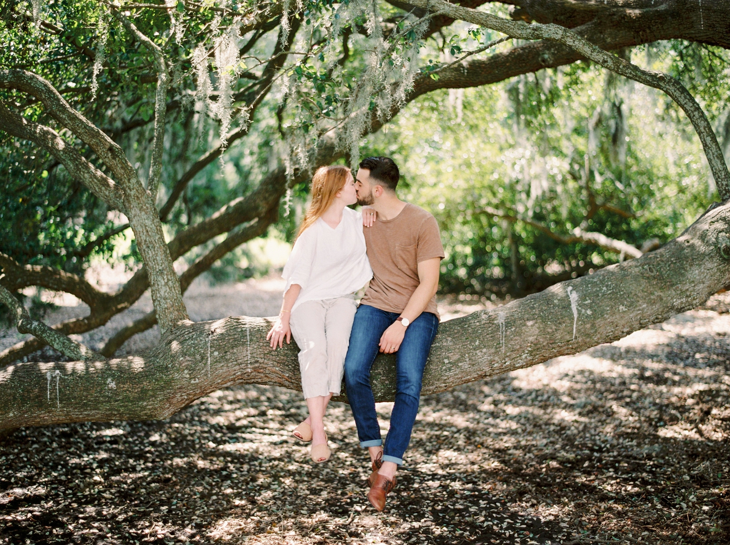 on wedding photographers | charleston anniversary | Justine Milton fine art film Photography | south carolina anniversary | fine art film photography | kissing