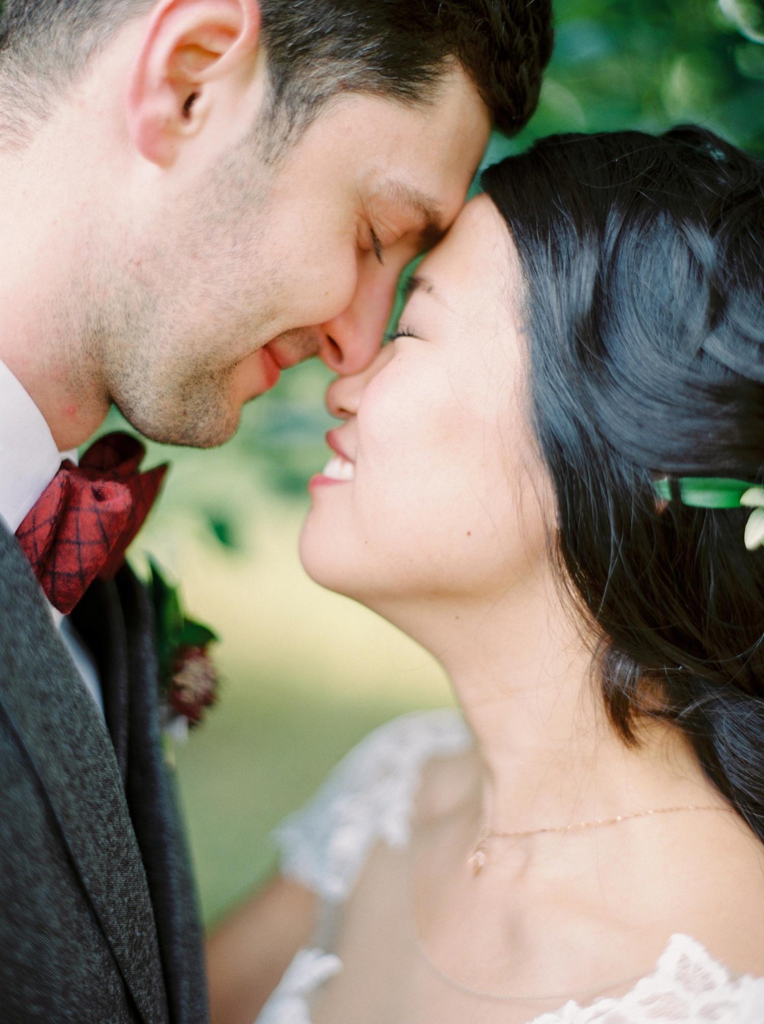 Calgary wedding photographer | fine art film photography | Calgary Wedding Photographers | Calgary couples photographer | Justine Milton Photography | couple kissing | couples portrait