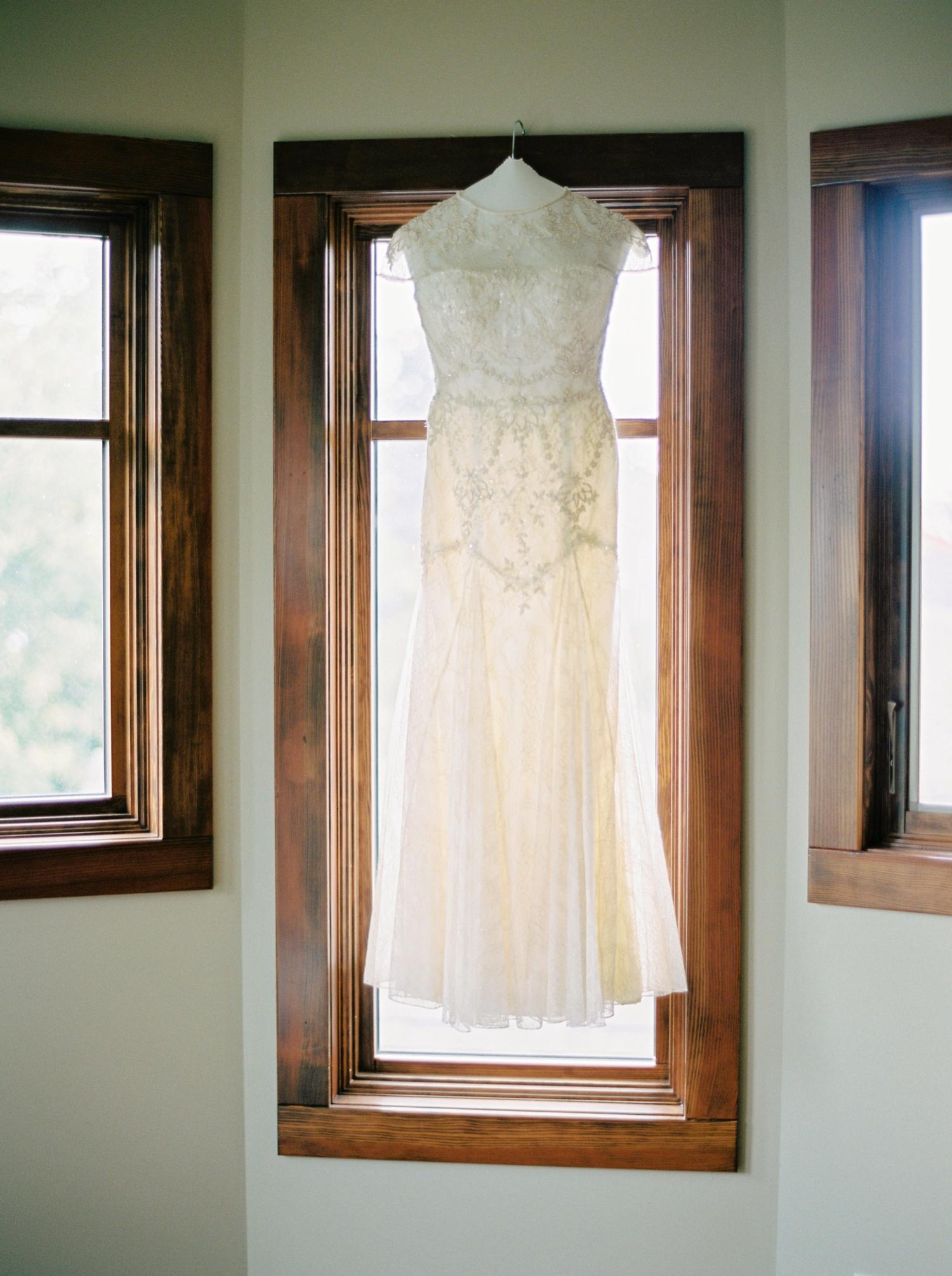 Calgary wedding photographers | wedding dress | fine art film | Justine Milton Photography | wedding inspiration