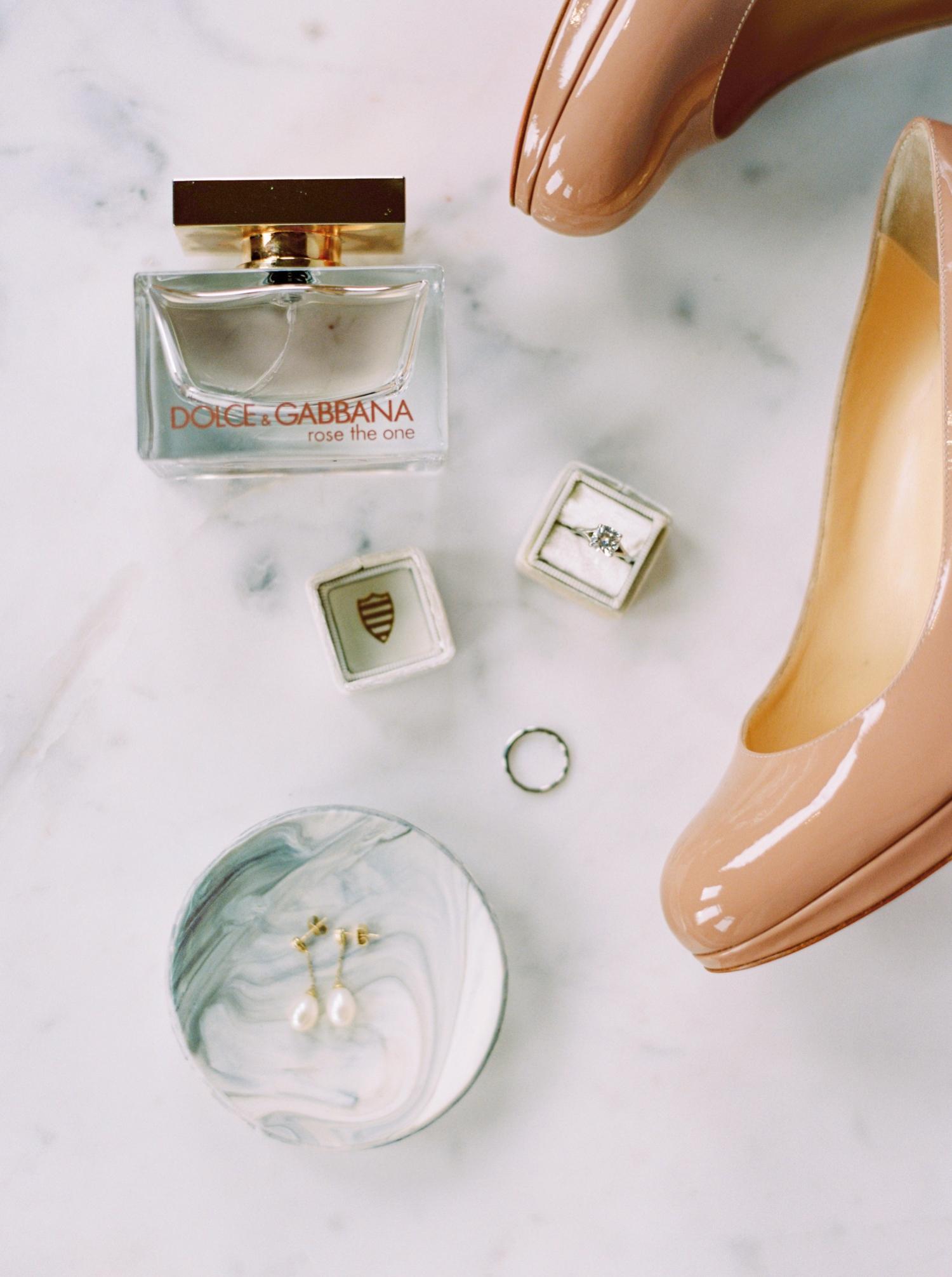 Calgary wedding photographers | wedding dress | fine art film | Justine Milton Photography | wedding inspiration | bridal details