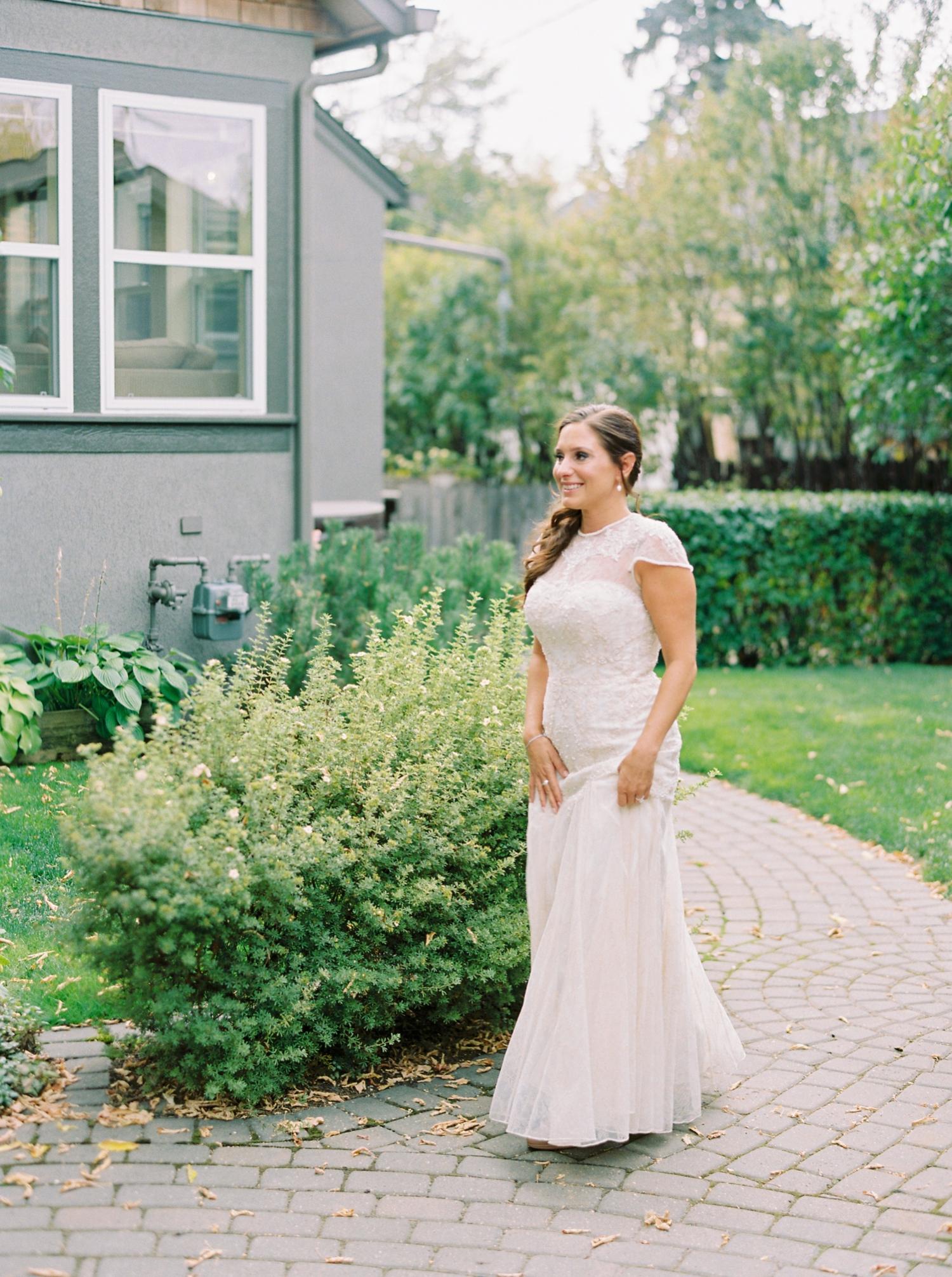 Calgary wedding photographers | fine art film | Justine Milton Photography | wedding inspiration | bridesmaids | wedding dress | bride portraits