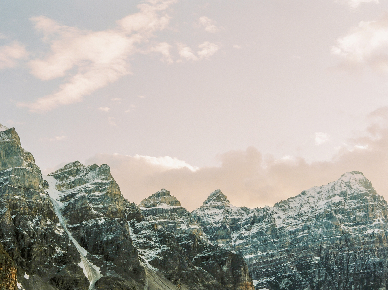 Calgary wedding photographers | banff wedding photographers | fine art film | Justine Milton Photography | moraine lake | mountains