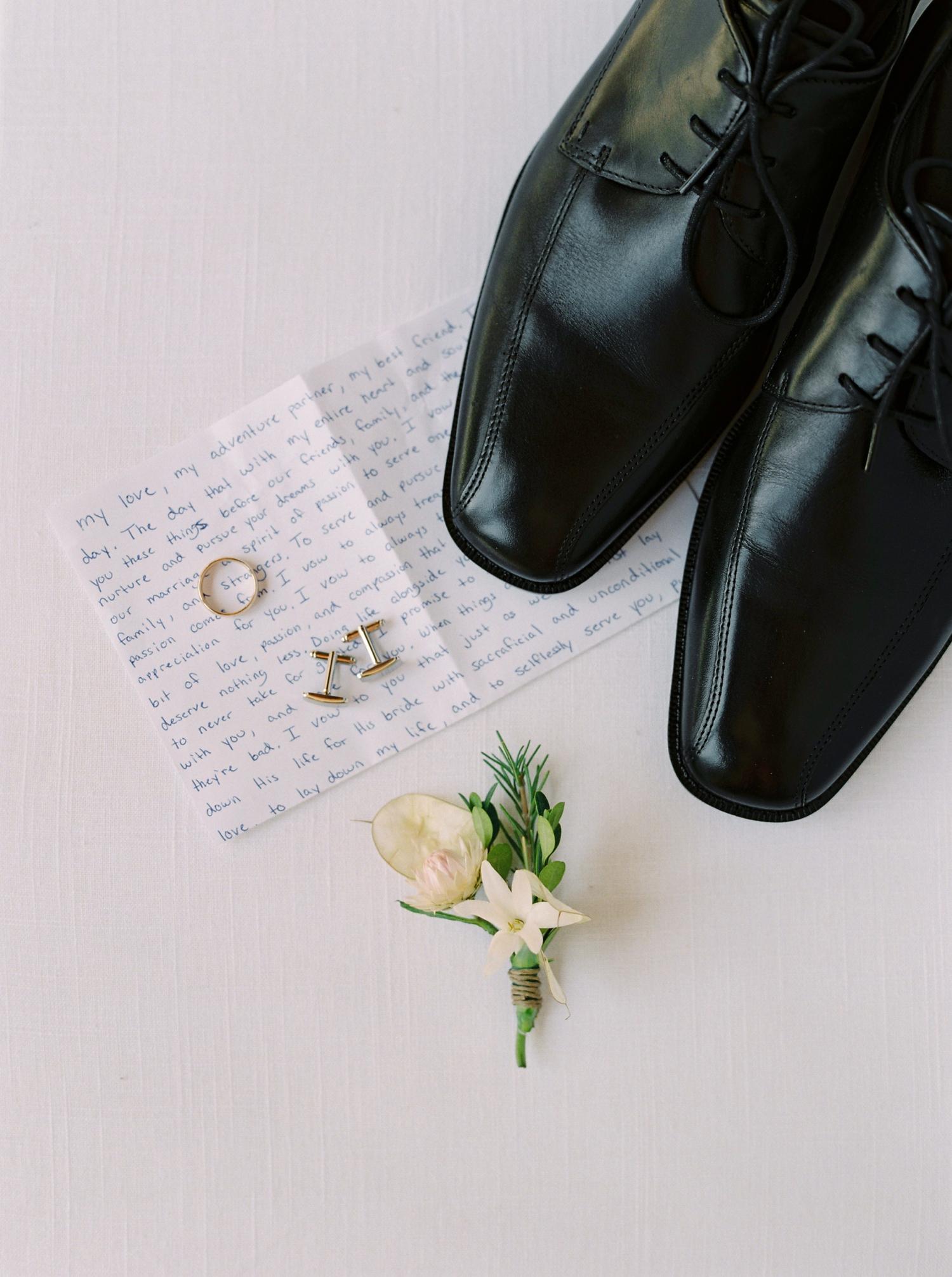 Calgary wedding photographers | georgia wedding photographers | fine art film | Justine Milton Photography | wedding details | georgia wedding | groom shoes | wedding rings