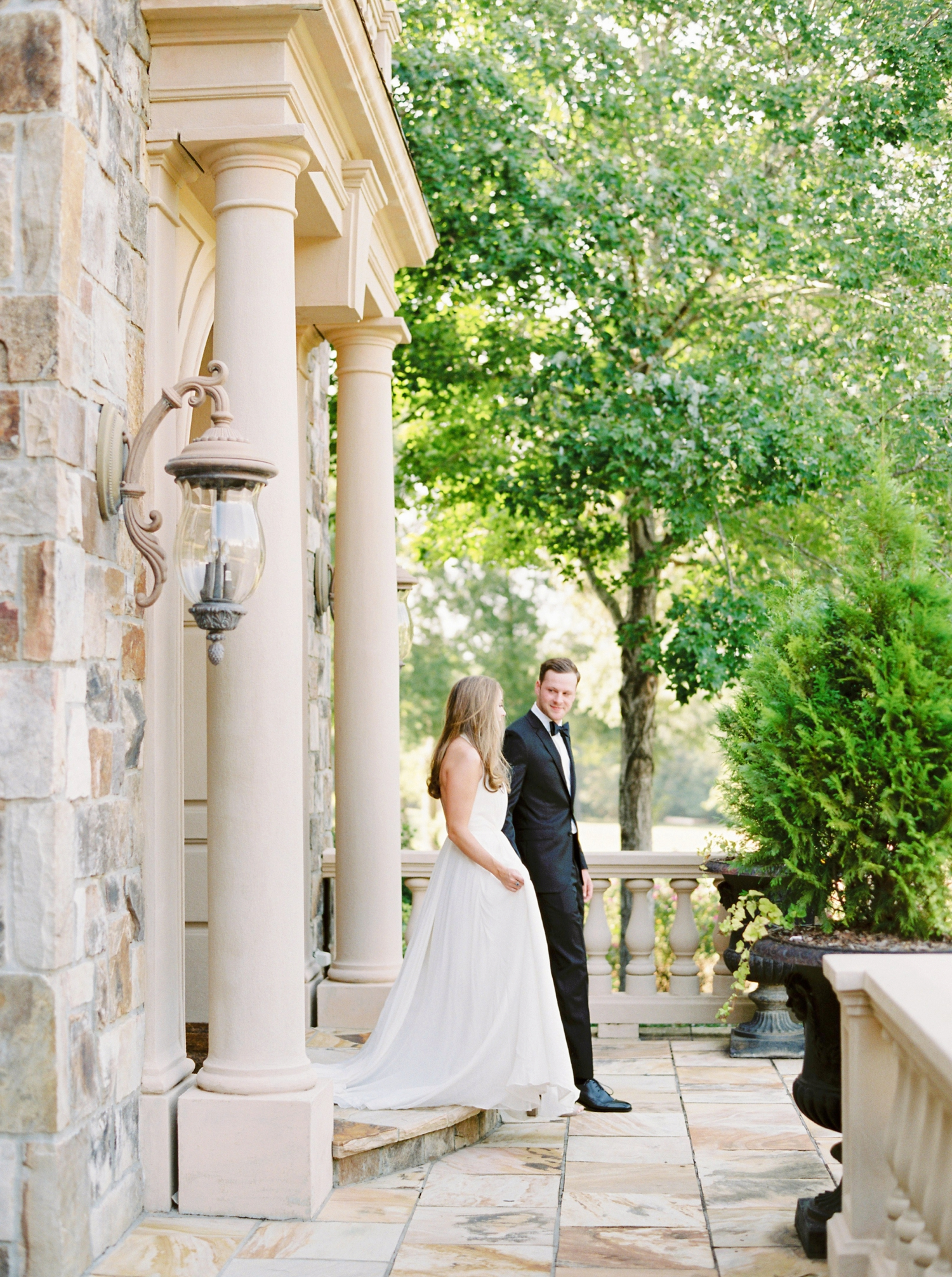 Calgary wedding photographers | georgia wedding photographers | fine art film | Justine Milton Photography | wedding details | georgia wedding | bride and groom portraits