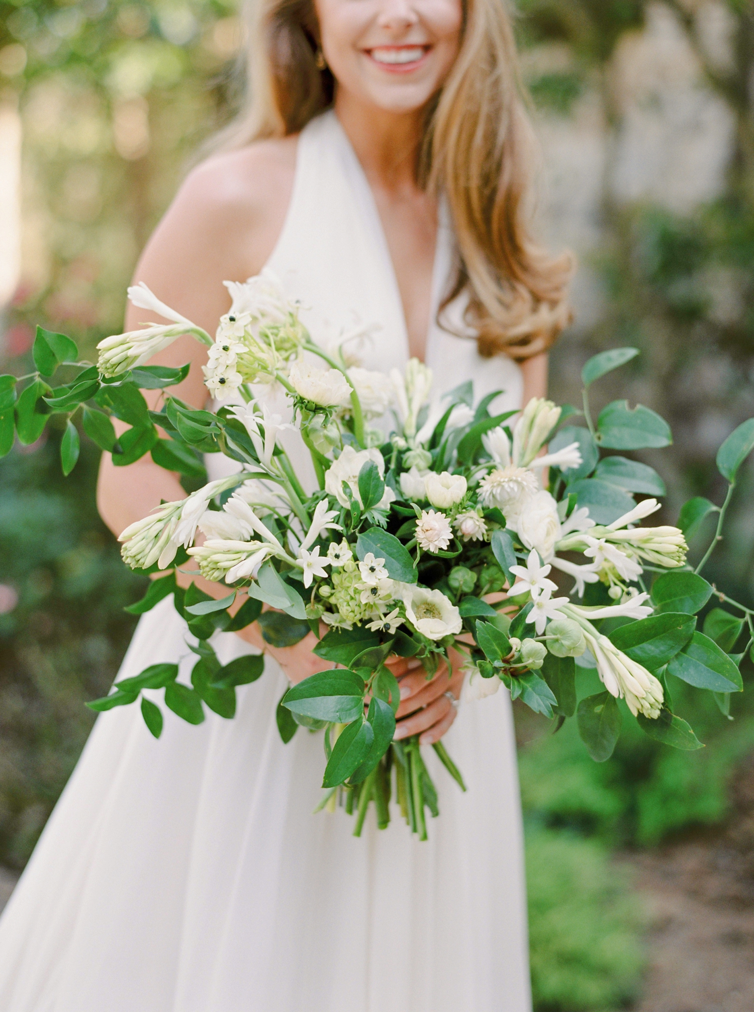 Calgary wedding photographers | georgia wedding photographers | fine art film | Justine Milton Photography | georgia wedding | wedding dress | pastel bouquet | pastel wedding inspiration