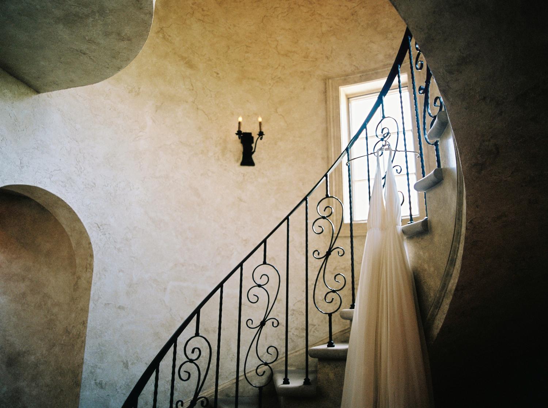 Calgary wedding photographers | georgia wedding photographers | fine art film | Justine Milton Photography | georgia wedding | wedding dress