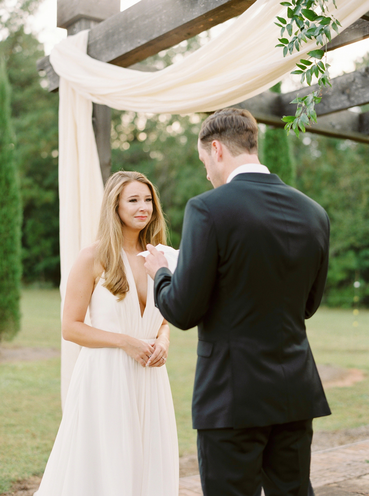 Calgary wedding photographers | georgia wedding photographers | fine art film | Justine Milton Photography | georgia wedding | wedding ceremony | wedding vows