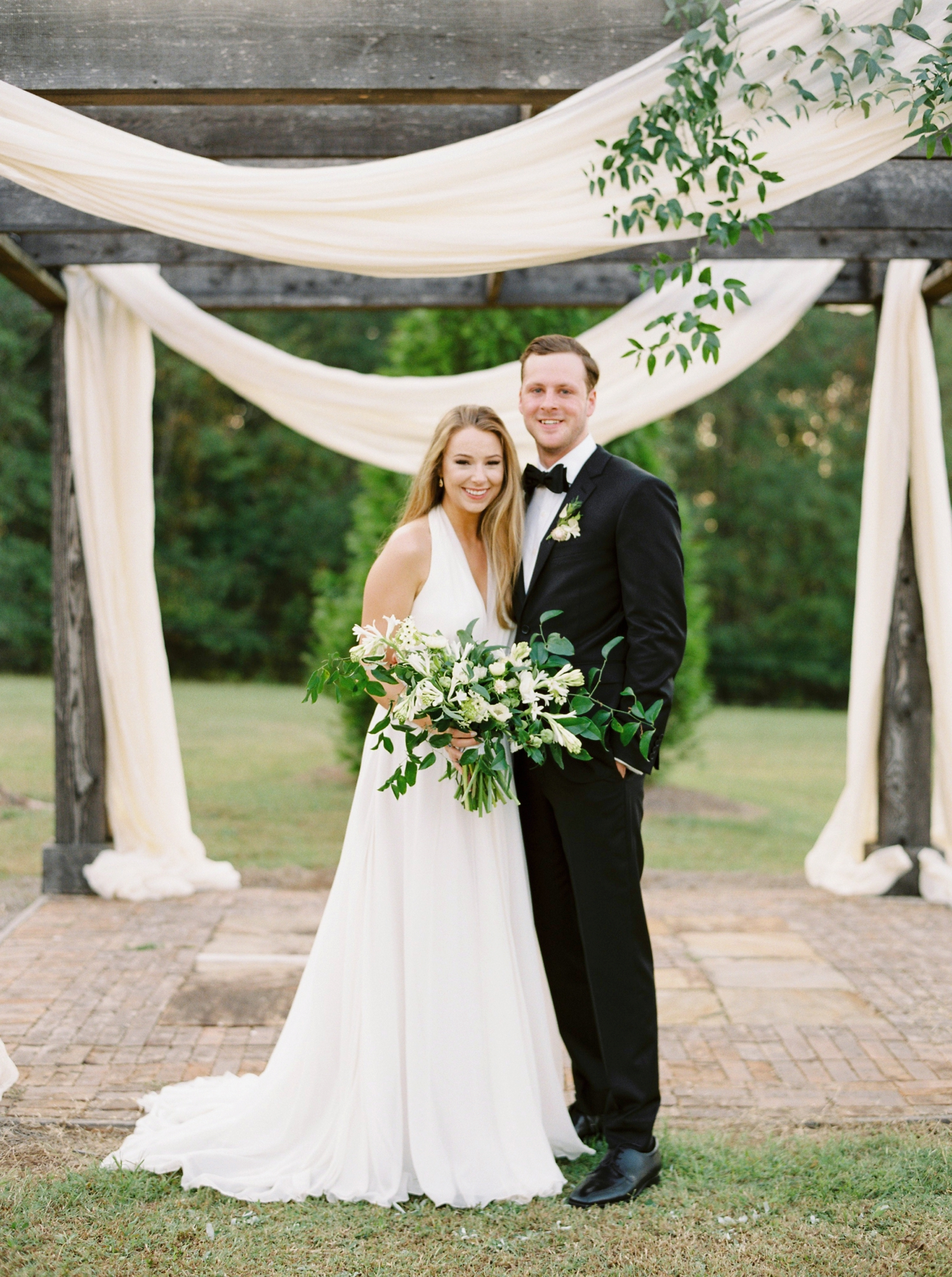 Calgary wedding photographers | georgia wedding photographers | fine art film | Justine Milton Photography | georgia wedding | wedding ceremony | just married | bride and groom portraits