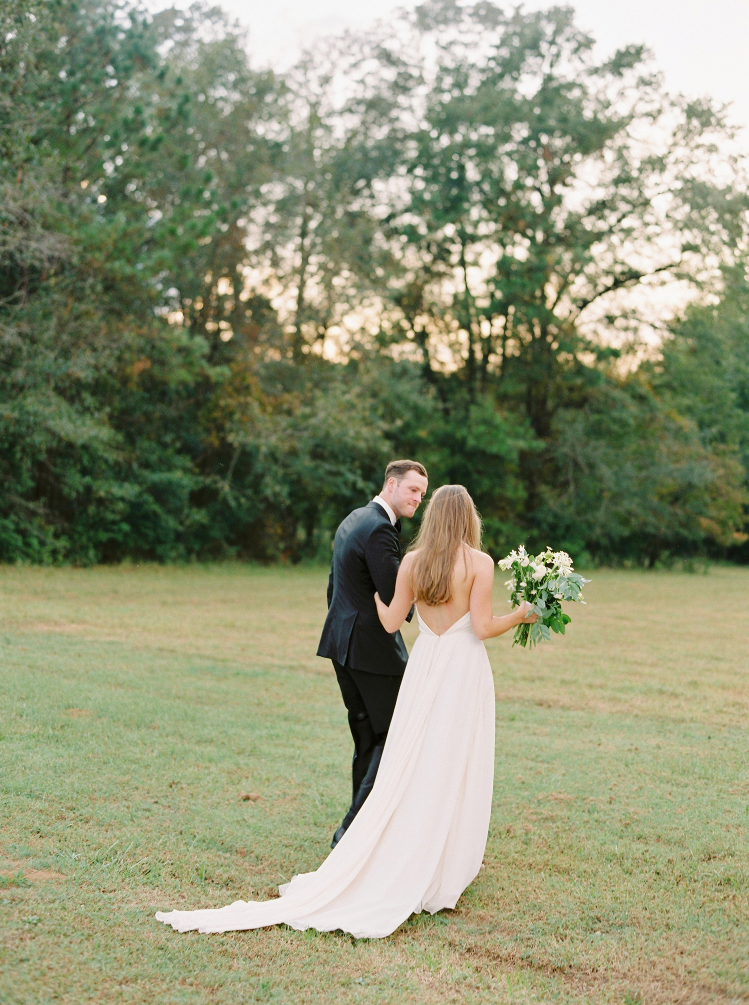 Calgary wedding photographers | georgia wedding photographers | fine art film | Justine Milton Photography | georgia wedding | bride and groom portraits