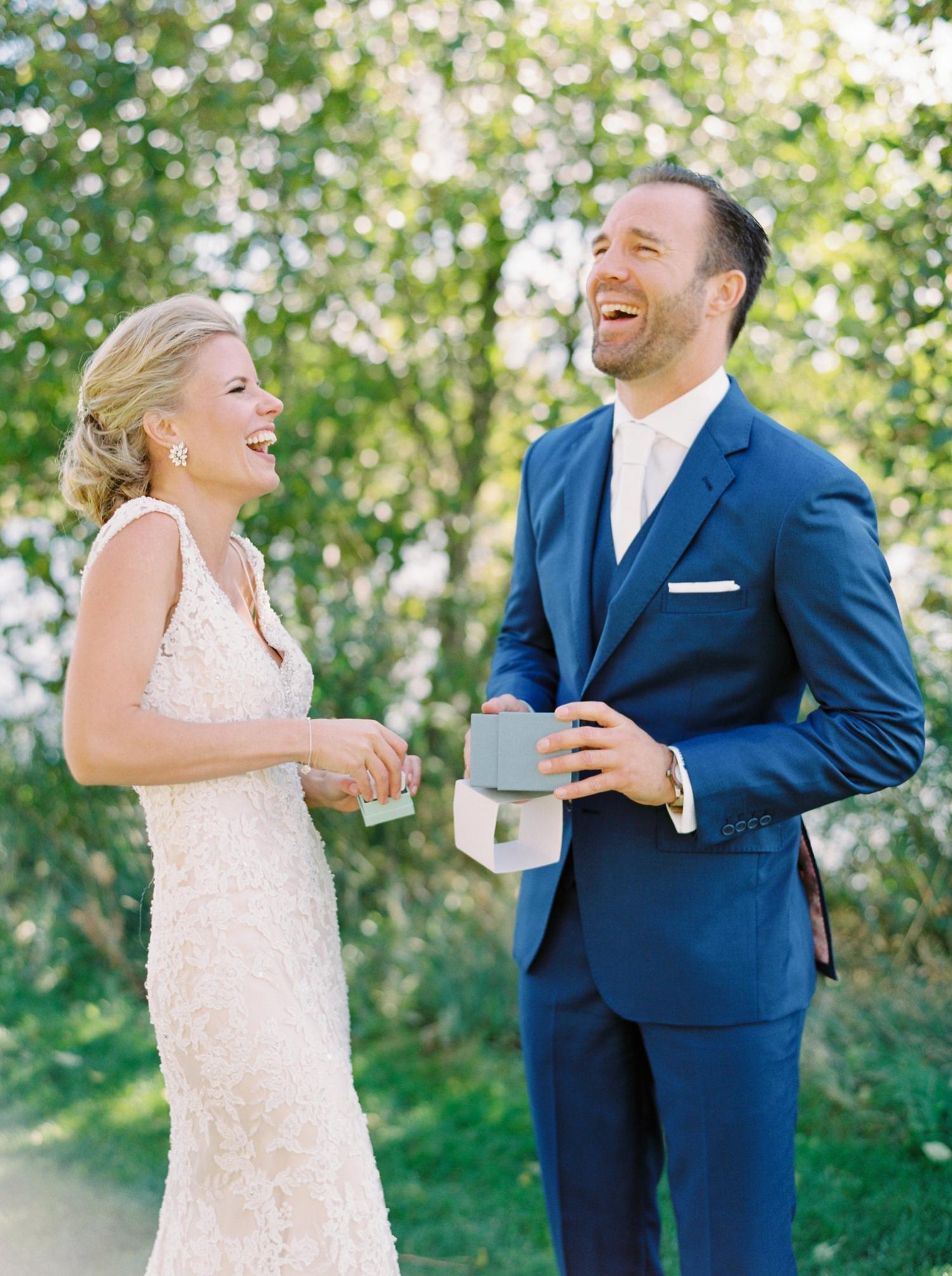 Calgary wedding photographers | oregon wedding photographers | fine art film | Justine Milton Photography | oregon wedding | bride and groom portraits | bride and groom laughing