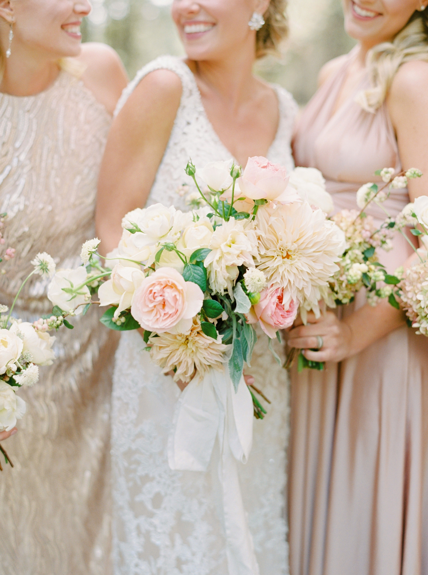 Calgary wedding photographers | oregon wedding photographers | fine art film | Justine Milton Photography | oregon wedding | bridesmaids portraits | pastel bridesmaids dresses | pastel bouquet