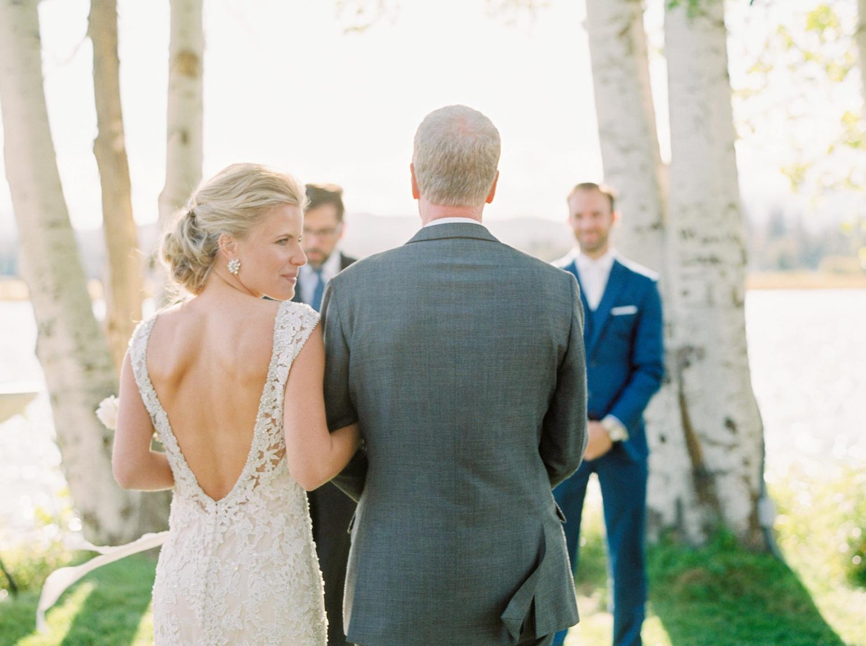 Calgary wedding photographers | oregon wedding photographers | fine art film | Justine Milton Photography | oregon wedding | wedding ceremony | walking down the aisle | father and daughter