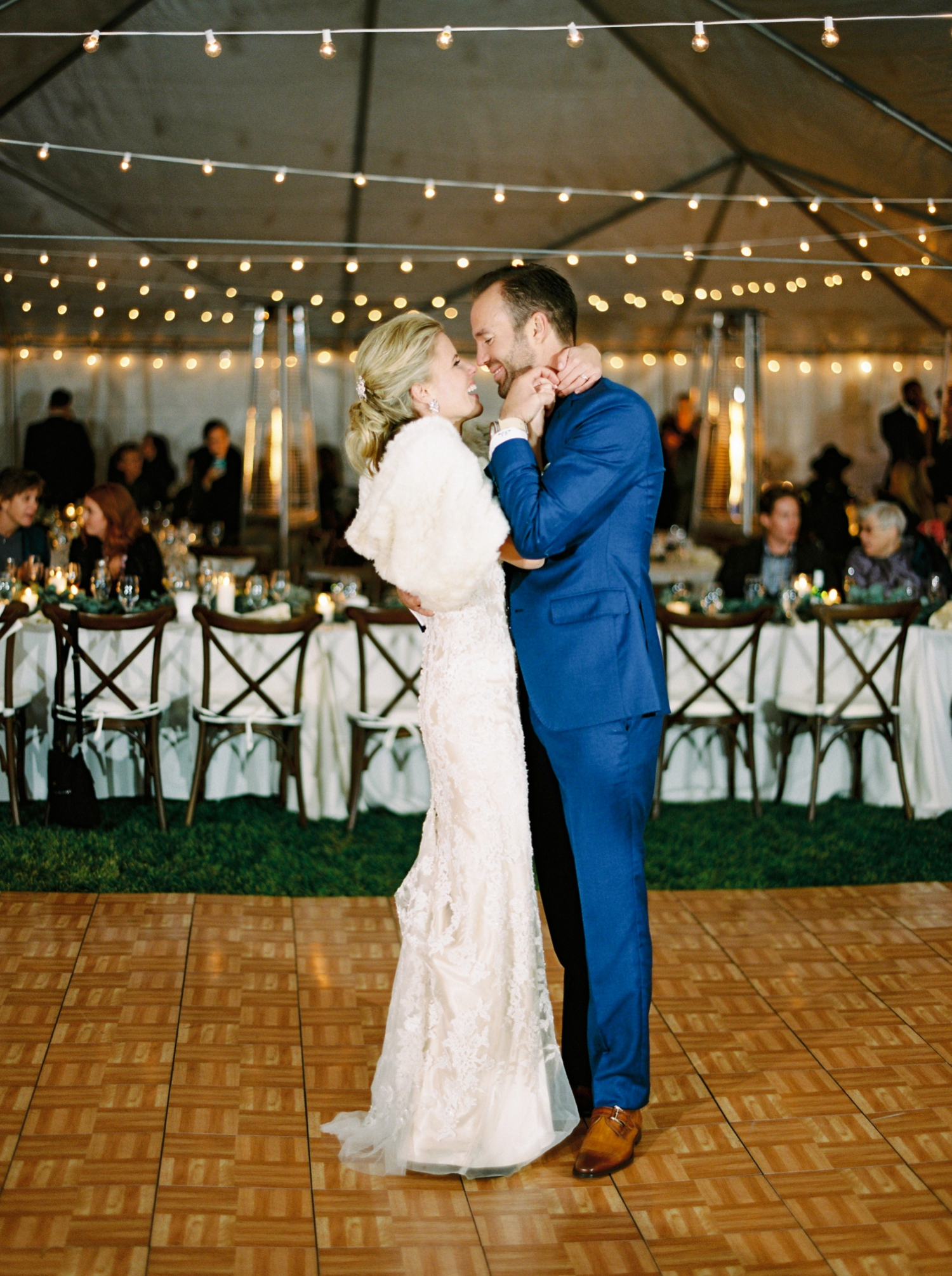 Calgary wedding photographers | oregon wedding photographers | fine art film | Justine Milton Photography | oregon wedding | wedding reception | wedding details | bride and groom | first dance