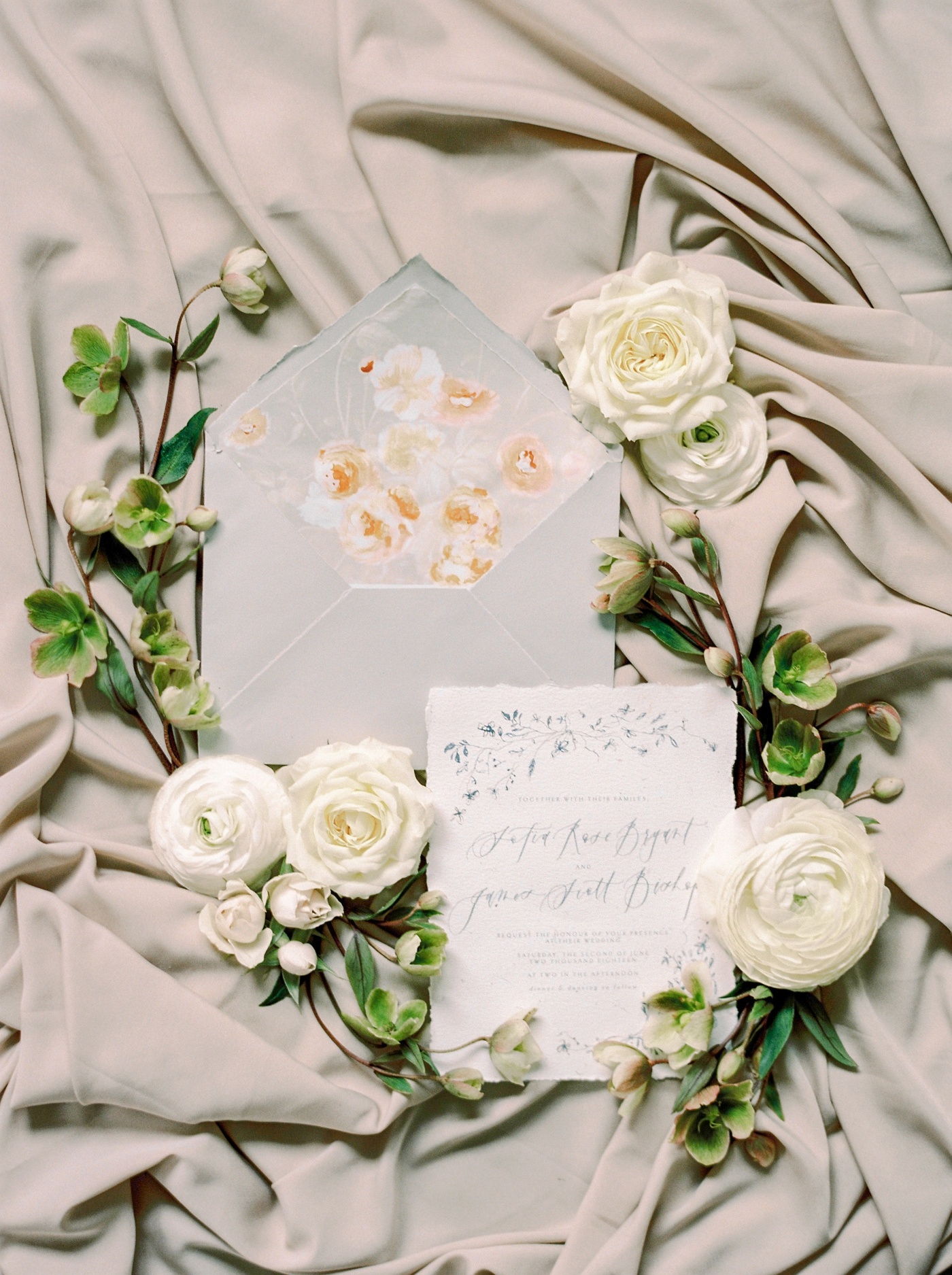 Calgary and Banff wedding photographers | Justine Milton photography | fine art editorial | neutral colors and florals