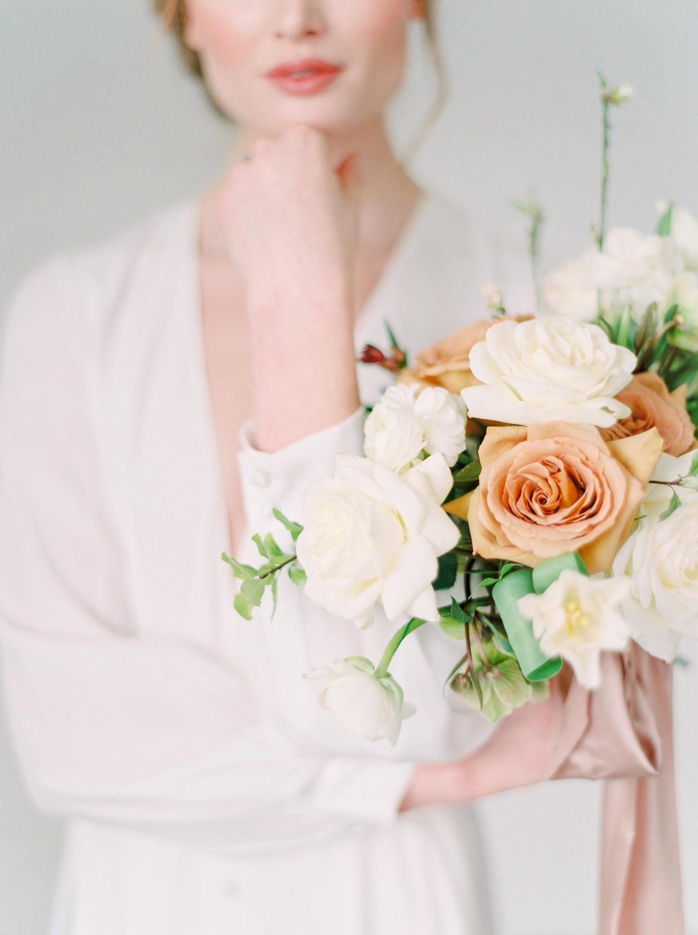 Calgary wedding photographers | editorial minimalist inspired wedding shoot | stacey foley weddings joy wed blog | vancouver wedding photographer | Justine Milton Photography
